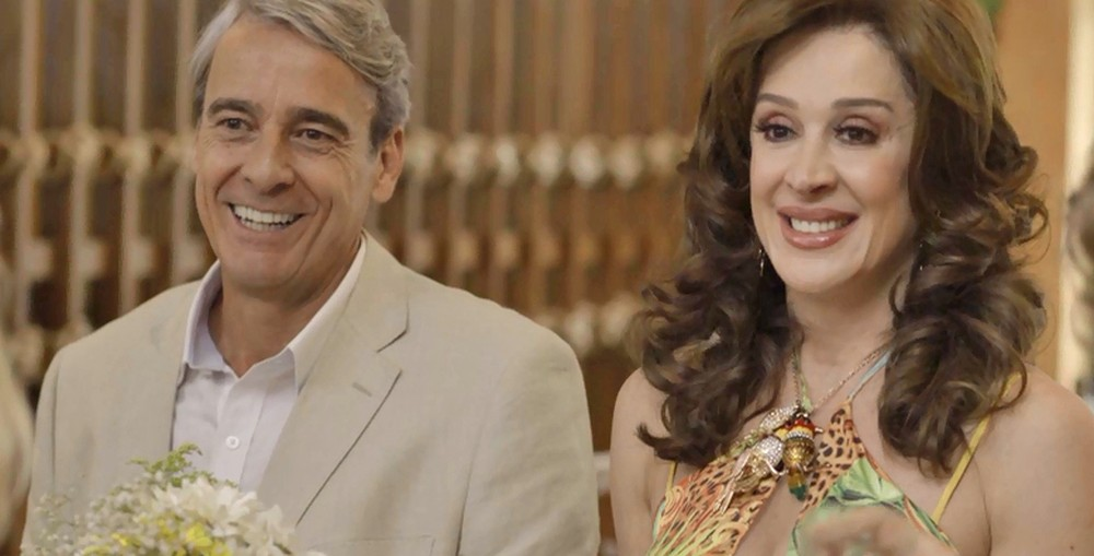 Quinzão e Lidiane em cena da novela das 19h da Globo, Verão 90 (Foto: Reprodução)