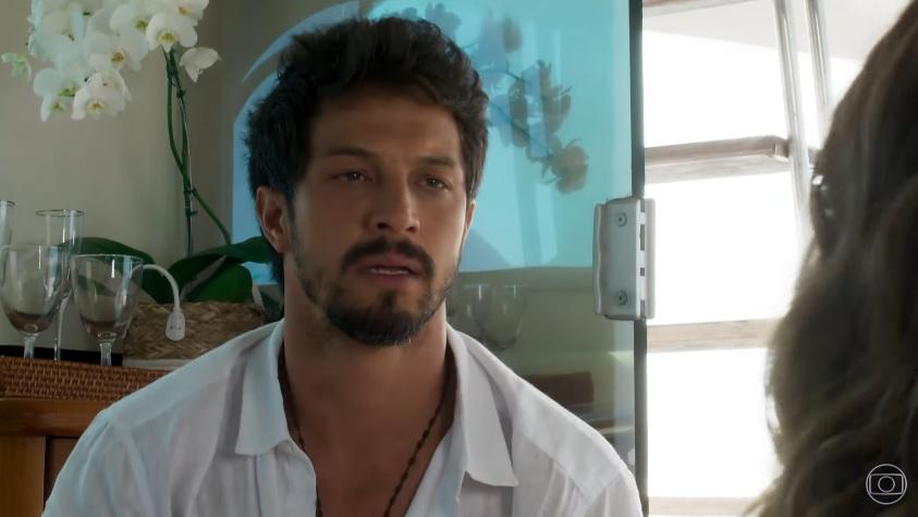 Marcos (Rômulo Estrela) é um bon vivant em Bom Sucesso da Globo