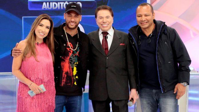Silvio Santos com Neymar (pai e filho) e Patrícia Abravanel (Foto: Lourival Ribeiro/ SBT)