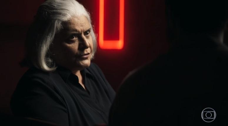 Nilda (Jussara Freire) em A Dona do Pedaço