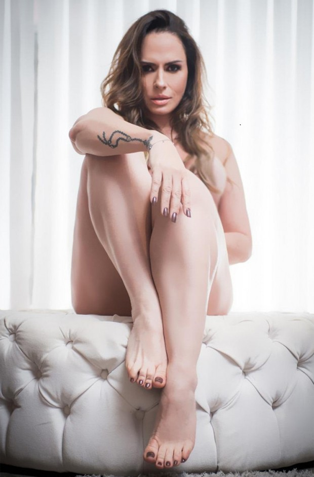 Nubia Oliiver cria perfil no Istagram dedicado aos fãs de seus pés ((Foto: Nelson Miranda/ Quem)