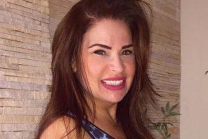 A ex-banheira do Gugu do SBT, Solange Gomes está causando polêmica com o seu livro (Foto: Reprodução)
