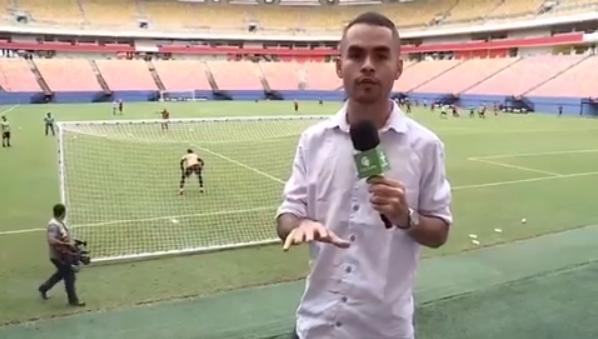 O repórter da TV Cultura Gabriel Abreu, que levou bolada enquanto gravava reportagem (Foto: Reprodução/Instagram)
