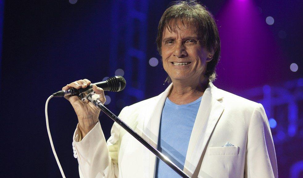 O famoso cantor, Roberto Carlos assustou os seus afãs na manhã desta quarta ao revelar que estava vendendo um iate milionário (Foto: Reprodução)