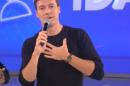 Rodrigo apresenta o Hora do Faro nos domingos da Record (Foto: Reprodução)