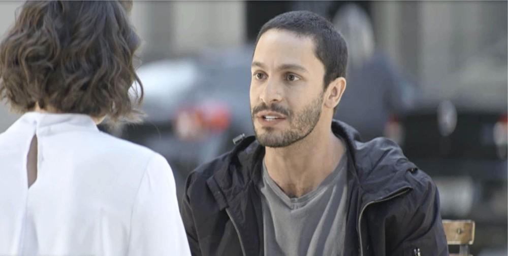 Téo vai se vingar de Josiane em A Dona do Pedaço (Foto: Reprodução/Globo)