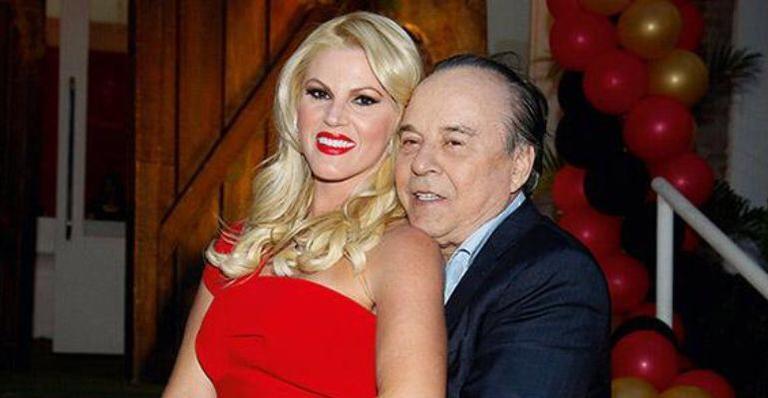 """Val Marchiori foi chamada de """"prostituta de luxo"""" pelo ex Evaldo Ulinski (Reprodução)"""