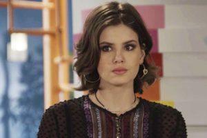 Vanessa em cena da novela das 19h da Globo, Verão 90 (Foto: Reprodução)
