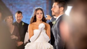 Vivi (Paolla Oliveira) é humilhada por Camilo (Lee Taylor) em A Dona do Pedaço (Foto: Fabiano Battaglin/Globo)