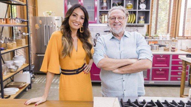 Patrícia Poeta e chef Ravioli no É de Casa (Foto: Victor Pollack /TV Globo/ Divulgação)