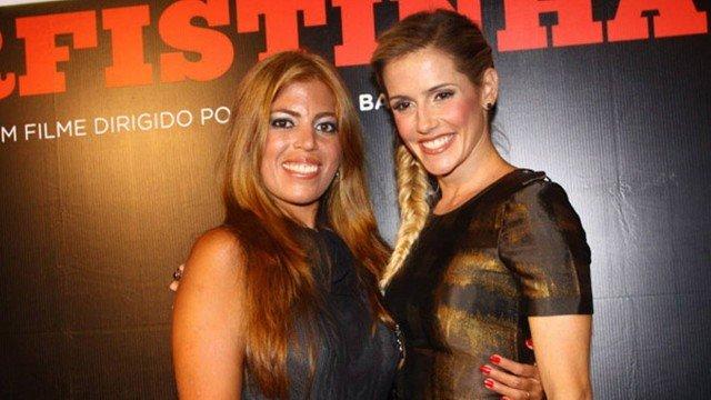 Rachel Pacheco e Deborah Secco posaram juntos durante estreia do filme Bruna Surfistinha