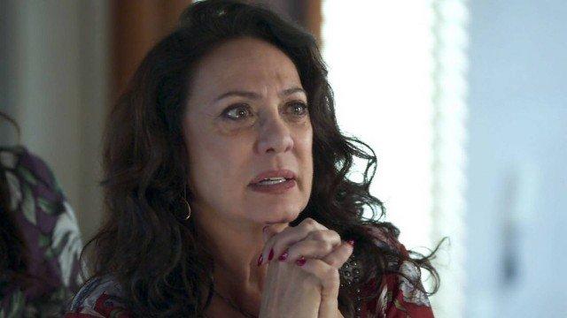 Rania em cena da novela das 18h da Globo, Órfãos da Terra (Foto: Reprodução)