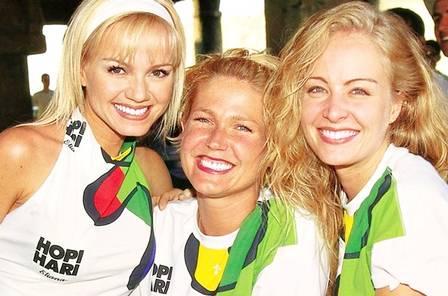Eliana, Xuxa e Angélica numa rara foto com as três reunidas, em 1999 Foto: divulgação
