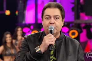 O repórter da Globo, Cauê Fabiano, que famoso por apresentar o G1 em um minuto surpreendeu os telespectadores ao debochar de Faustão publicamente (Foto: Reprodução/Globo)