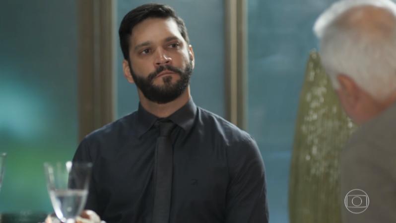 Diogo (Armando Babaioff) vai planejar matar Alberto (Antonio Fagundes) em Bom Sucesso (Foto: Reprodução/Globo)