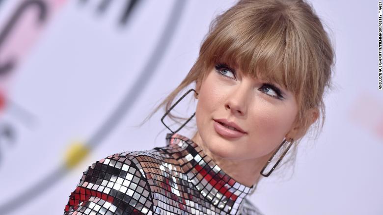 A cantora Taylor Swift lança nova música e é bem romântica na letra (Foto: Reprodução)