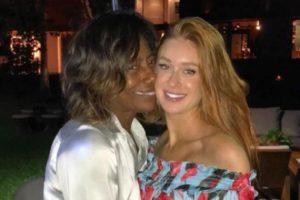 A jornalista e apresentadora Gloria Maria é uma grande amiga da atriz Marina Ruy Barbosa (Foto: Divulgação)