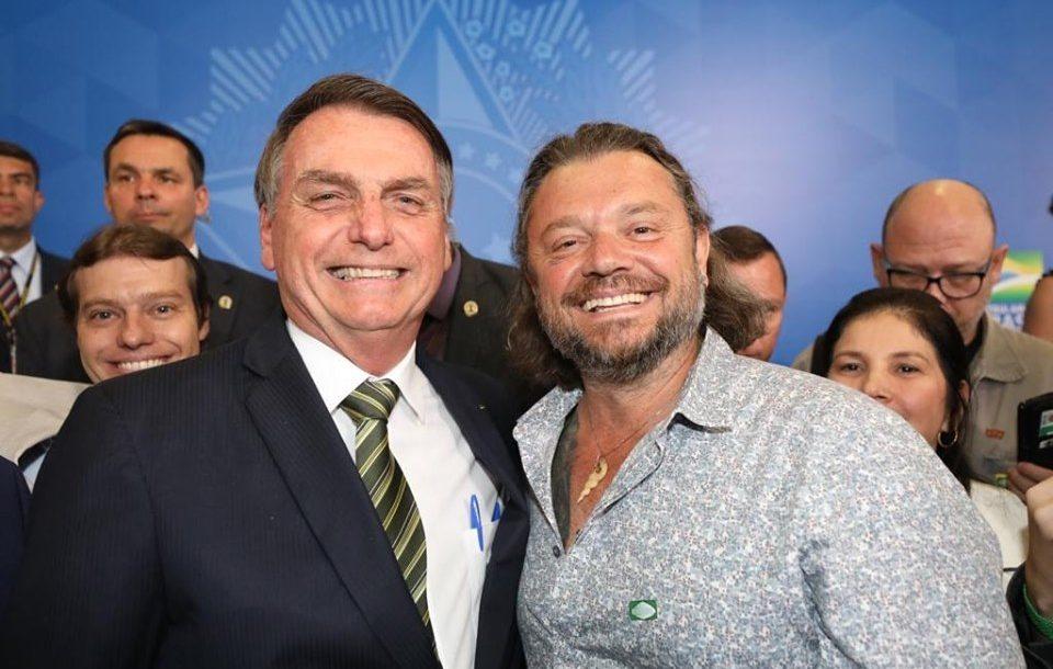 Bolsonaro apresenta Richard Rasmussen como novo embaixador de turismo do Brasil (Foto: Divulgação)