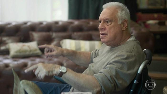 Alberto (Antonio Fagundes) em cena de Bom Sucesso (Foto: Reprodução/Globo)