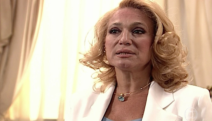 Susana Vieira (Branca) em cena da novela Por Amor, que igualou recorde de audiência (Foto: Reprodução/Globo)