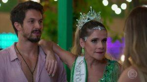 Romulo Estrela (Marcos) e Ingrid Guimarães (Silvana) em cena de Bom Sucesso, que cresceu em audiência (Foto: Reprodução/Globo)