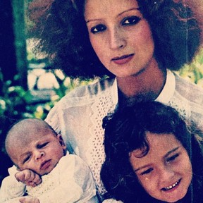 Betty Lago com o seu filho, Bernardno, e a sua filha, Patrícia (Foto: Reprodução)