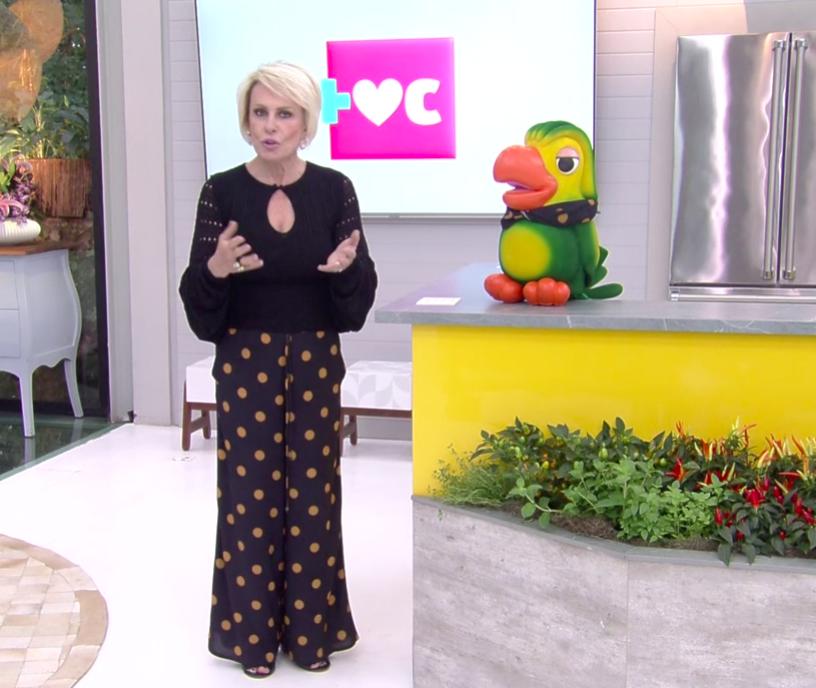 Ana Maria Braga surge com a mesma roupa que Louro José. Foto: Reprodução/Globo
