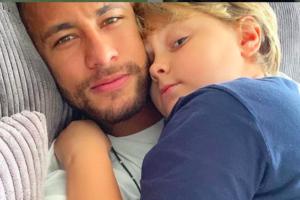 O jogador Neymar é pai de Davi Lucca, do relacionamento com Carol Dantas (Foto: reprodução)