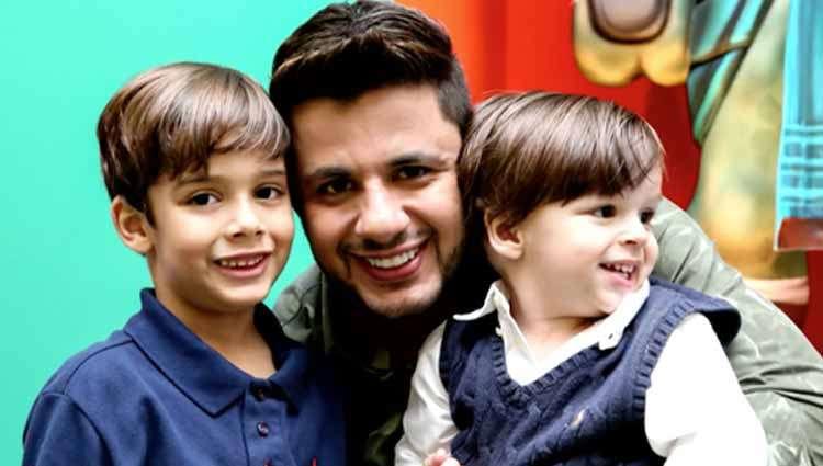 Cristiano Araújo ao lado dos filhos quando mais novos (Foto: Reprodução)