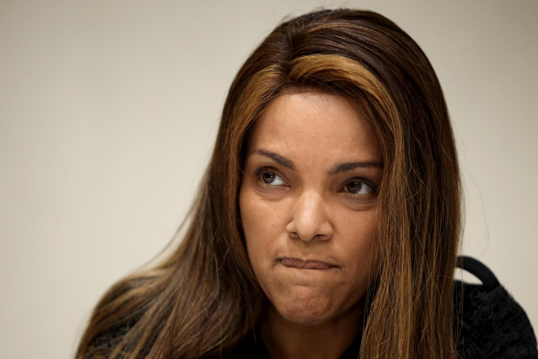 A viúva do Pastor Anderson do Carmo e deputada federal, Flordelis foi desmascarada pela policial (Foto: Reprodução)