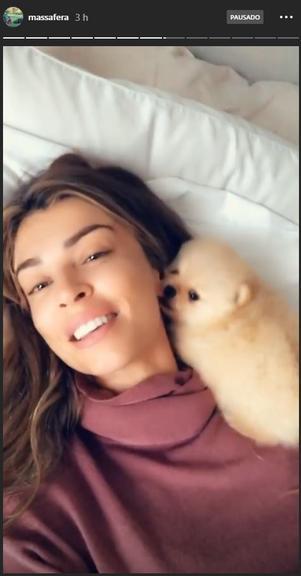 Grazi Massafera com a sua cachorrinha Praia