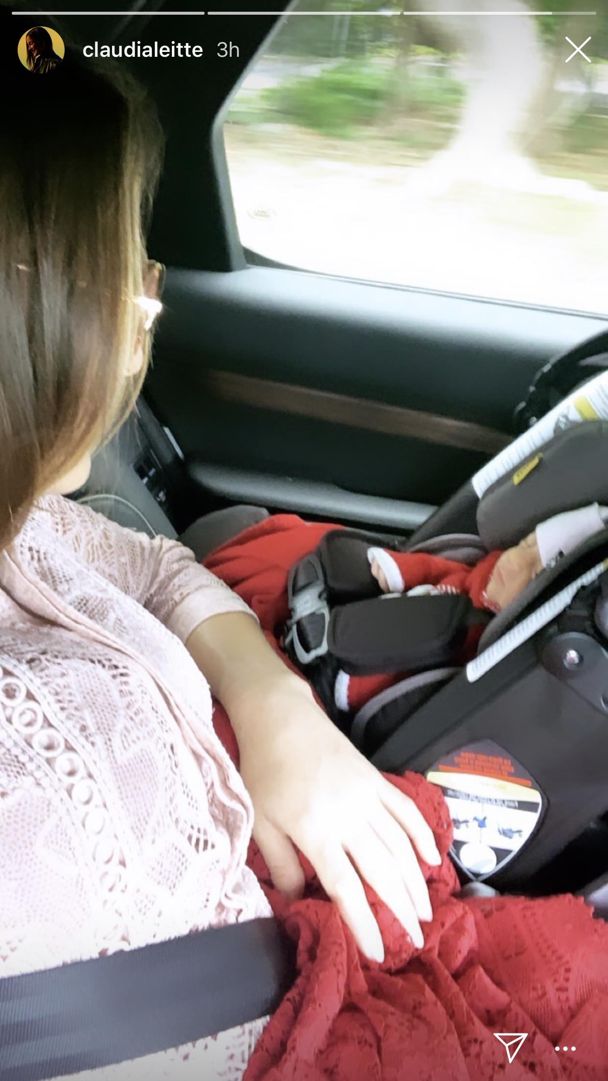Claudia Leitte deixa a maternidade com Bela (Reprodução/Instagram)