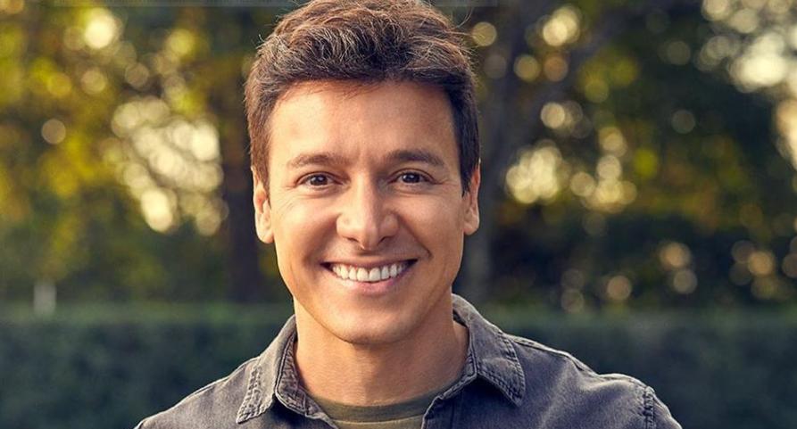 O famoso apresentador da Record, Rodrigo Faro (Foto: Instagram)