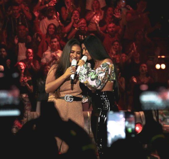 Dupla de irmãs de sucesso Simone e Simaria se apresentaram no Música Boa Ao Vivo do Multishow (Foto: CJtoskano)