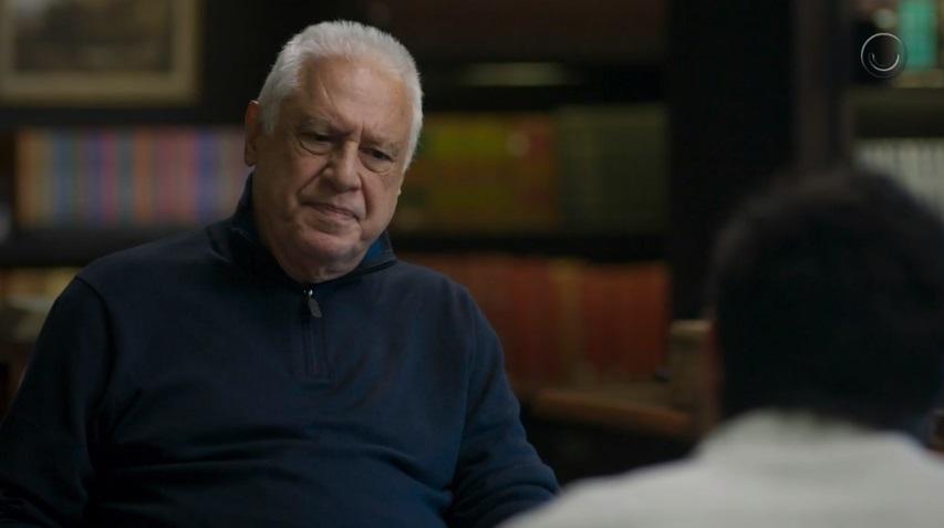 Alberto em cena de Bom Sucesso (Foto: Reprodução/Globo)