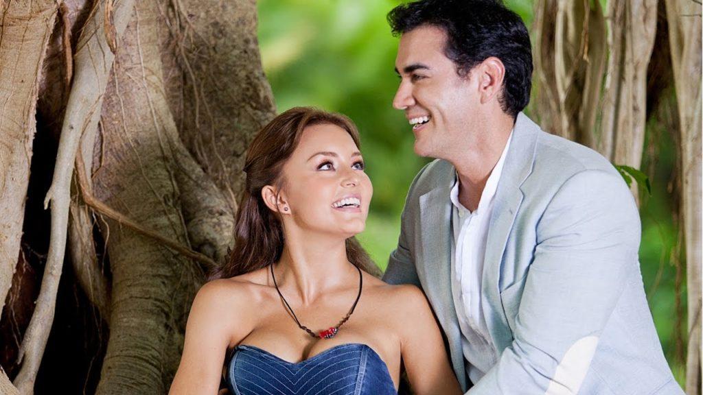 Angelique Boyer e David Zepeta são os protagonistas de Abismo de Paixão que volta ao SBT