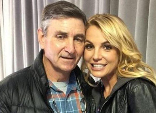 Pai da cantora Britney Spears quer aumentar sua tutela sobre ela (Foto: Reprodução)
