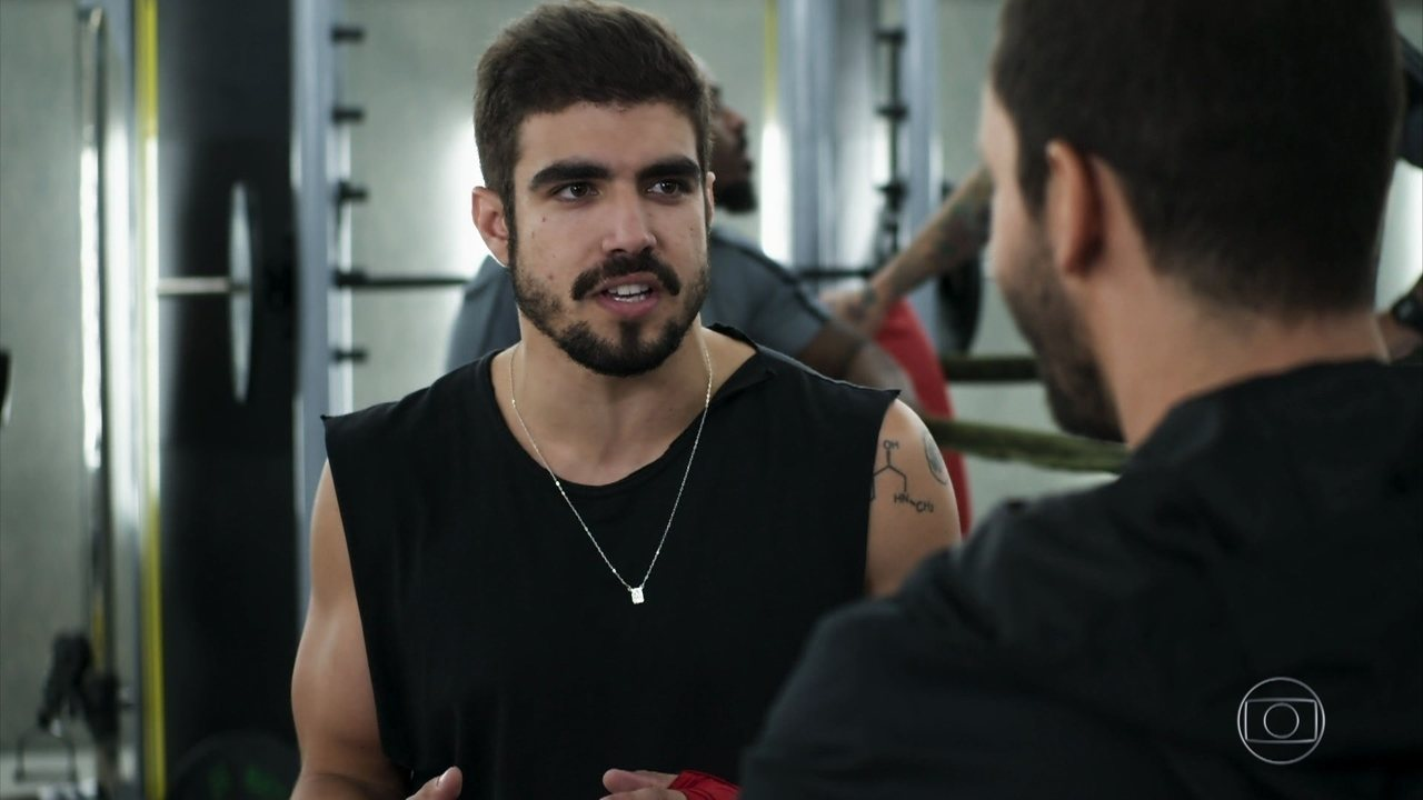 Caio Castro é Rock em A Dona do Pedaço da Globo (Foto: Reprodução/Globo)