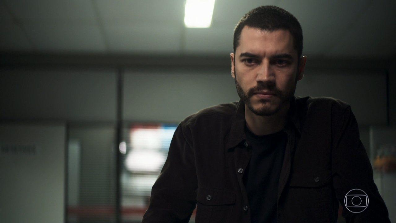 Camilo fica furioso em cena em A Dona do Pedaço da Globo (Foto: Reprodução)