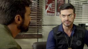 Sidney Sampaio interpreta o delegado André da novela Topíssima da Record