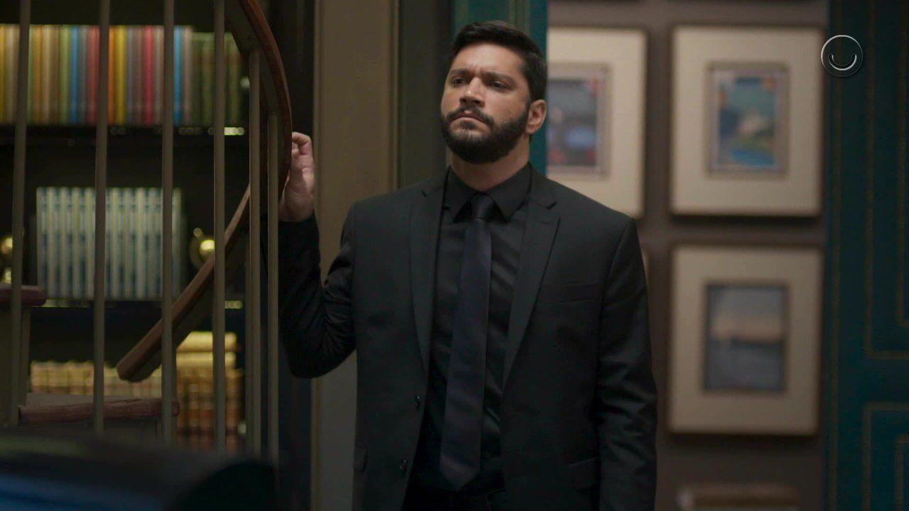 Diogo de Bom Sucesso é vivido por Armando Babaioff na Globo