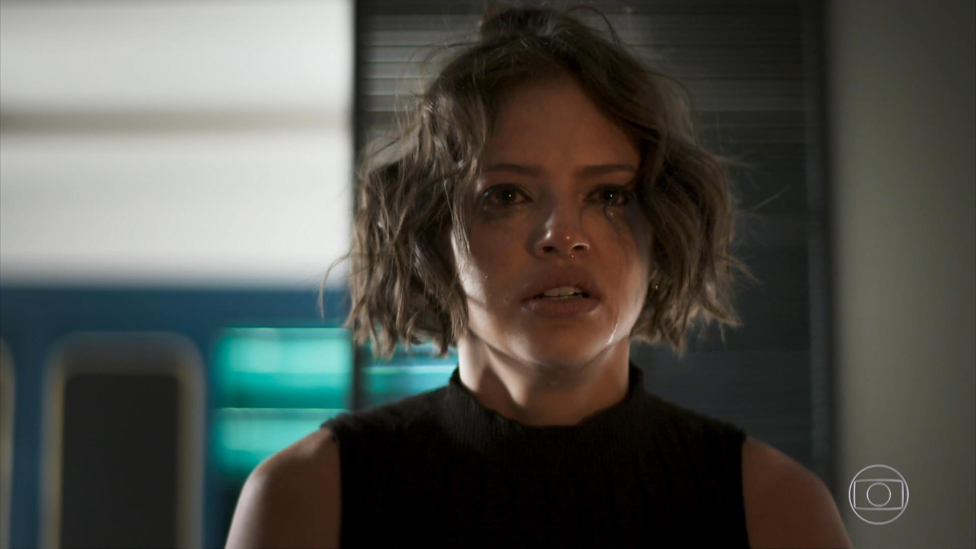 Josiane (Agatha Moreira) terá surtos e passará a ser aterrorizada por espíritos em A Dona do Pedaço (Foto: Divulgação)
