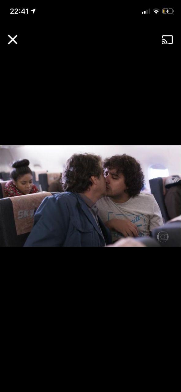 Zorra, da Globo, exibiu beijo gay entre atores