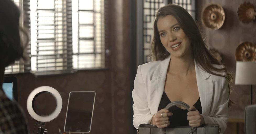 Fabiana coloca Josiane em sinuca de bico no folhetim de A Dona do Pedaço