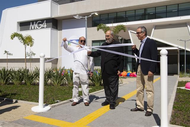 João Roberto Marinho, Roberto Irineu Marinho e José Roberto Marinho inauguram os novos estúdios (Foto: Globo/Estevam Avellar)