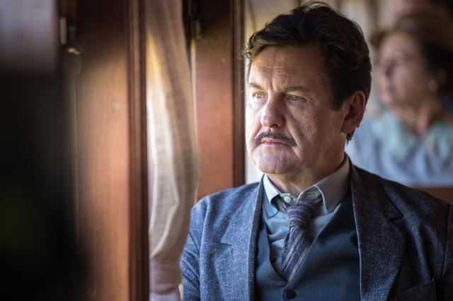 Júlio (Antonio Calloni) no remake de Éramos Seis (Foto: Globo/Raquel Cunha)