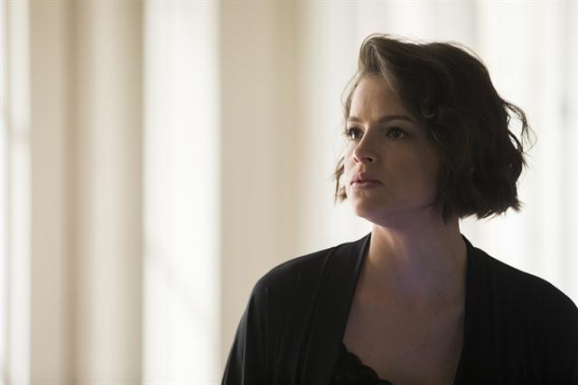 Josiane (Agatha Moreira) sofrerá golpe de Bill (Daniel Andrade), novo personagem de A Dona do Pedaço (Foto: Globo/Victor Pollak)