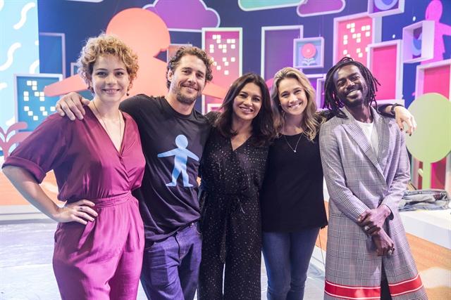 Leandra Leal, Dira Paes, Fernanda Gentil, Flavio Canto e Jonathan Azevedo vão apresentar o show do Criança Esperança (Foto: Globo/Victor Pollak)