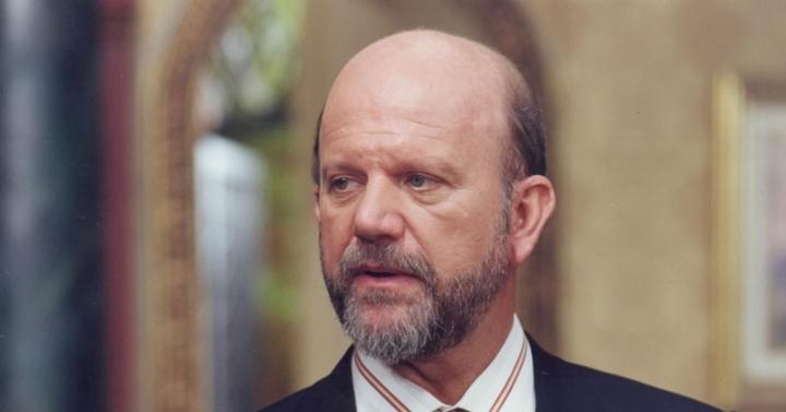 Adalberto Vasconcellos (Cecil Thiré) foi apontado como o serial killer de A Próxima Vítima, que causou um dos maiores mistérios das novelas. (Foto: Divulgação)