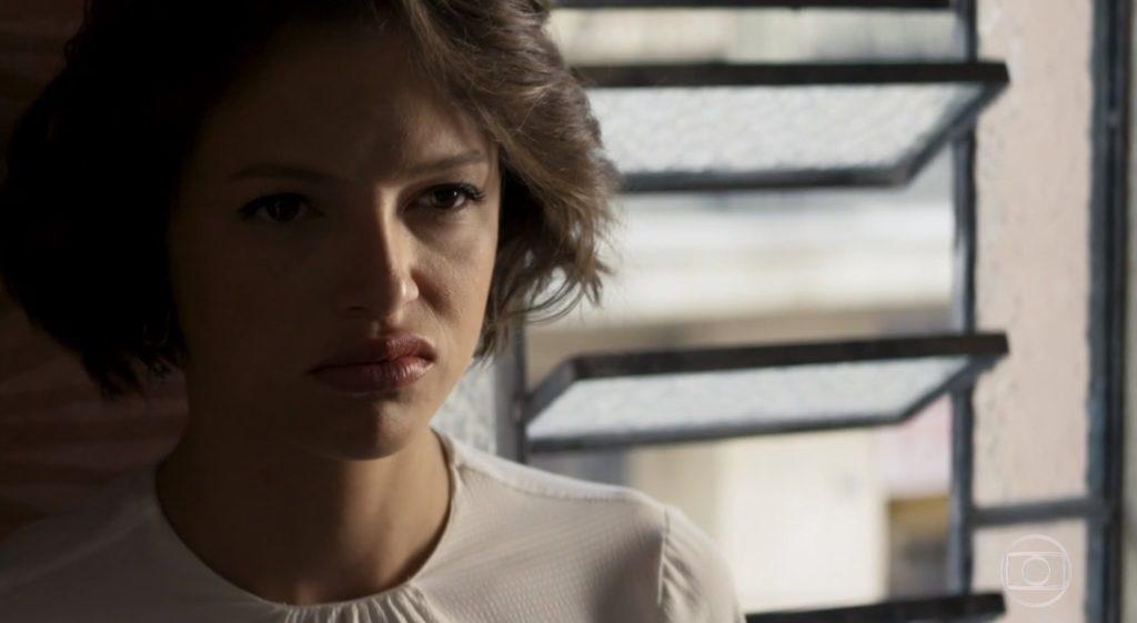 Josiane (Agatha Moreira) surtará com casa de pobre em A Dona do Pedaço (Foto: Reprodução/Globo)